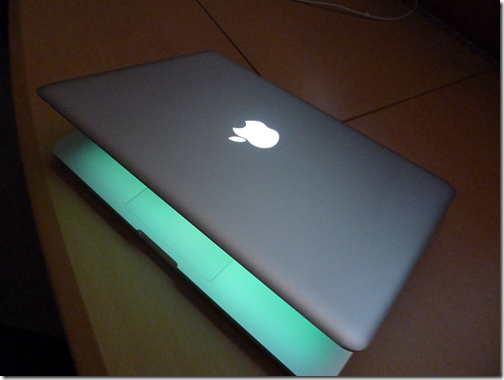 MacBook_Pro_in_dark